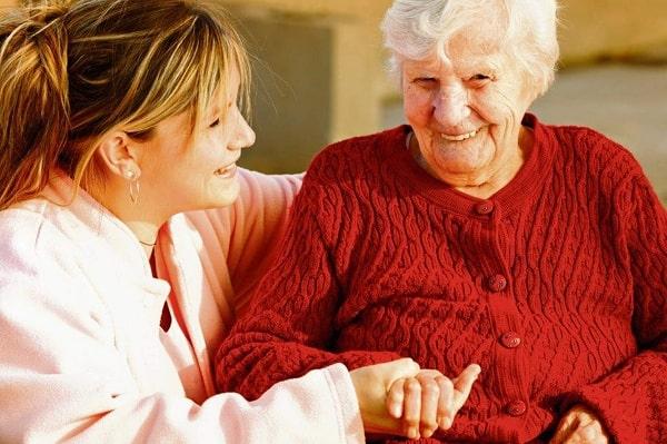 Cách chăm sóc người già bị lú lẫn