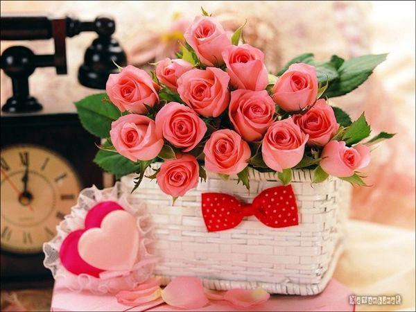 Ý nghĩa của hộp quà trái tim, hoa hồng và sôcôla trong ngày Valentine