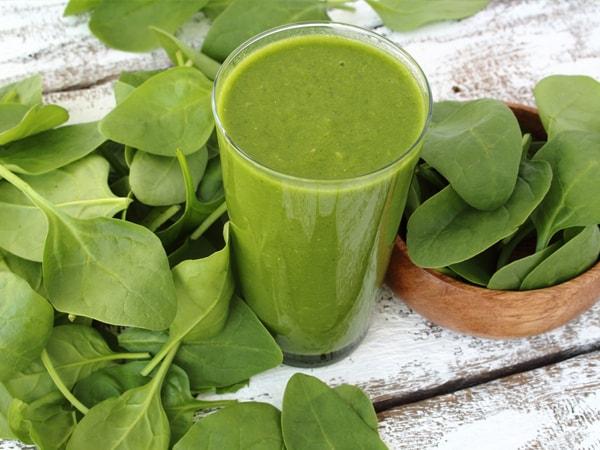 Rau chân vịt (cải bó xôi) chứa nhiều vitamin thiết yếu