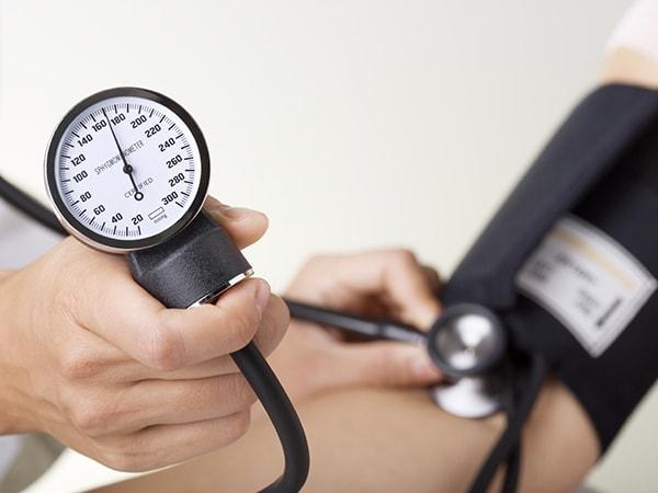 Người cao tuổi bị cao huyết áp nên ăn gì, không nên ăn gì?