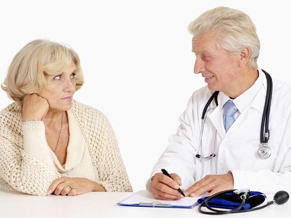 Nguyên nhân - những biến chứng của bệnh táo bón ở người cao tuổi