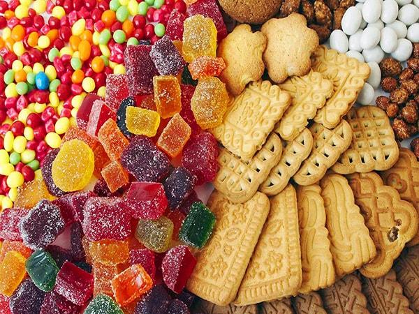 Kẹo có chứa nhiều đường mà người bị tiểu đường nên tránh