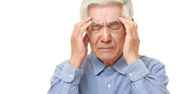 Nói nhảm ở người già là biểu hiện của sự rối loạn tâm thần do tuổi tác