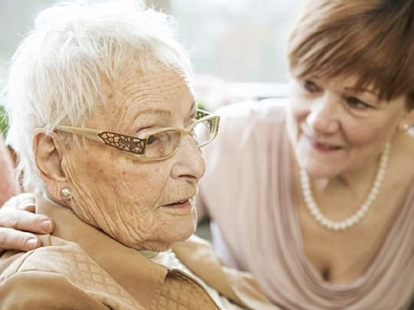 Người già thường mắc bệnh nói nhảm