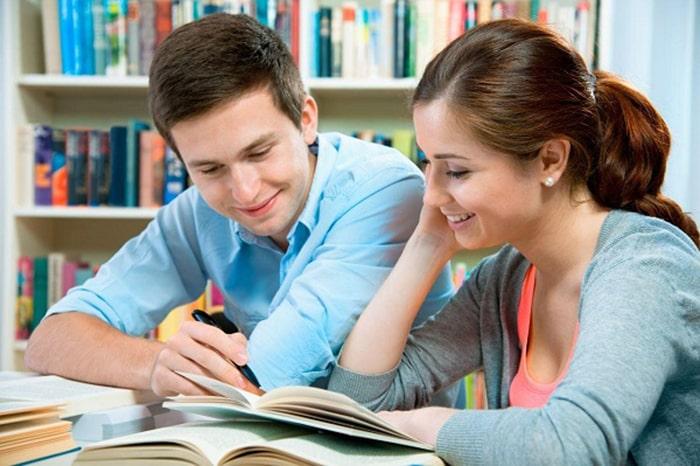Gia sư tiếng Anh giúp các em yêu thích môn học hơn