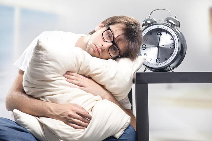 Rối loạn giấc ngủ khi bỏ thuốc sẽ khiến bạn mệt mỏi, uể oải