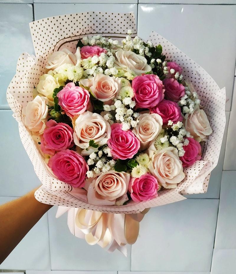 Bó hoa tặng cha mẹ nhân dịp kỷ niệm ngày cưới thể hiện sự tinh tế