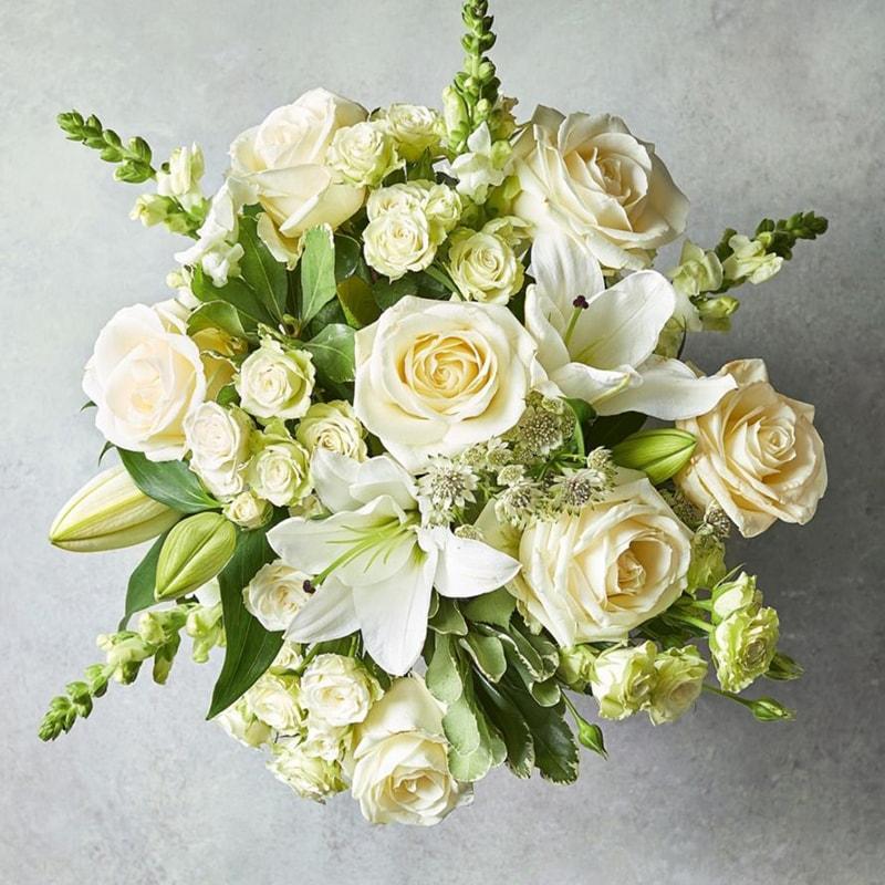 Nên tặng hoa Lily trong kỷ niệm ngày cưới cha mẹ