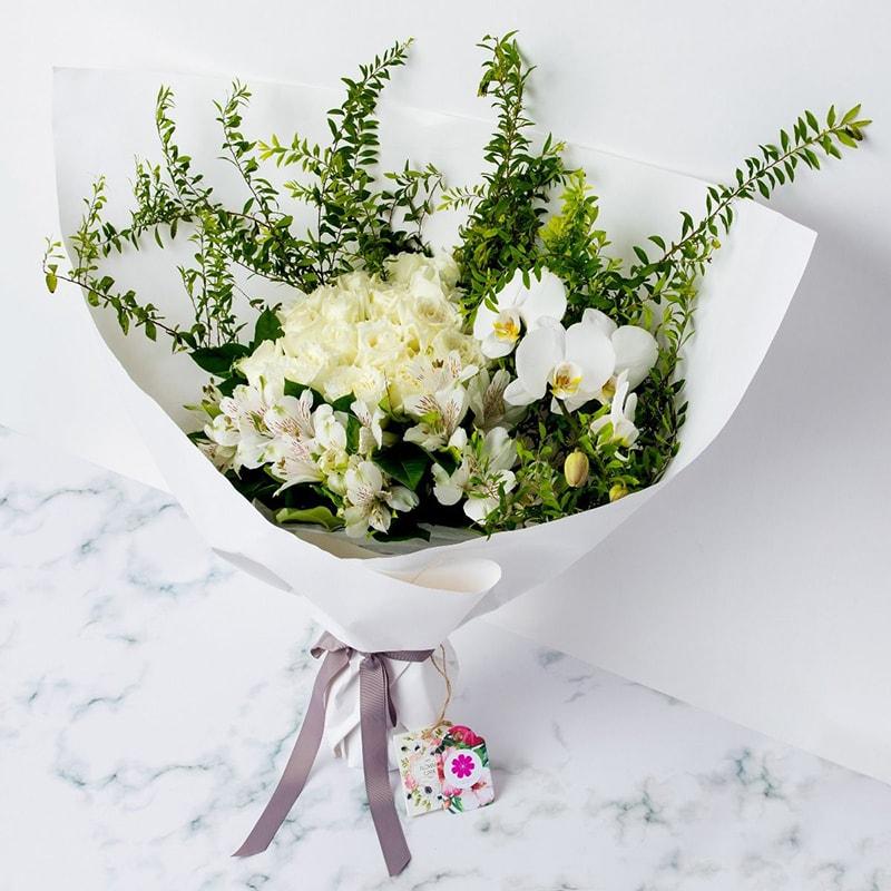 Nên tặng hoa lan trong kỷ niệm ngày cưới cha mẹ